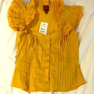 NWT 2b Bebe blouse with cute ruffle detail